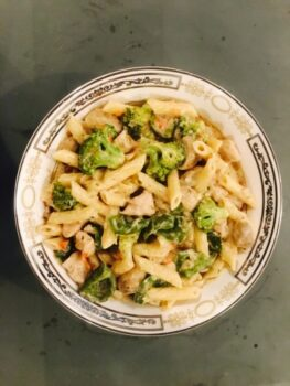 Chicken Pasta With White Sauce - Plattershare - Recipes, Food Stories And Food Enthusiasts