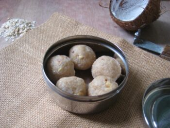 Oats Coconut Ladoo - Plattershare - Recipes, Food Stories And Food Enthusiasts