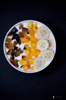 Greek Yogurt Breakfast Bowl - Plattershare - Recipes, Food Stories And Food Enthusiasts