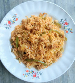 Chilli Soya Chunks Noodles - Plattershare - Recipes, Food Stories And Food Enthusiasts