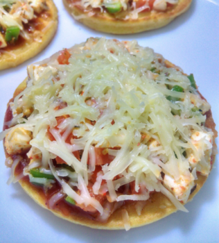 Mini Cheese Pizzettes With Dal Flour Crust - Plattershare - Recipes, Food Stories And Food Enthusiasts