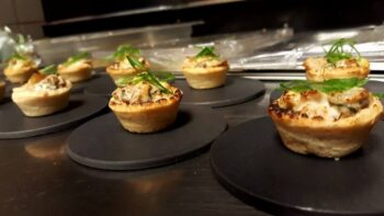 Cuit Au Four Aux Champignons Et Au Ma??¯S Tarte (Chicken And Mushroom Baked Mini Tart) - Plattershare - Recipes, Food Stories And Food Enthusiasts
