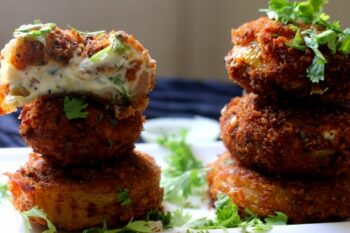 Cream Cheese Spinach Filled Onion Rings - Plattershare - Recipes, Food Stories And Food Enthusiasts