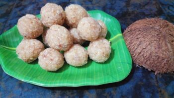 Coconut Ladoo - Plattershare - Recipes, Food Stories And Food Enthusiasts