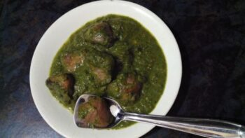 Spinach With Water Chestnut - Plattershare - Recipes, Food Stories And Food Enthusiasts