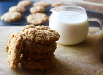 Classic Crisp Oats Cookies - Plattershare - Recipes, Food Stories And Food Enthusiasts