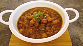Chole Recipe - Plattershare - Recipes, Food Stories And Food Enthusiasts