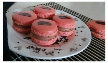 Strawberry, Chilly Chocolate Macaroons - Plattershare - Recipes, Food Stories And Food Enthusiasts