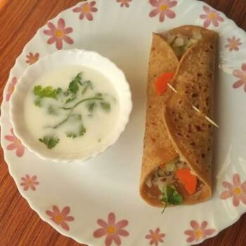 Cram Clutched Chapati - Plattershare - Recipes, Food Stories And Food Enthusiasts