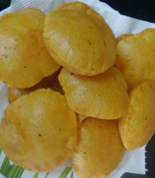 Carrot And Tomato Pooris - Plattershare - Recipes, Food Stories And Food Enthusiasts