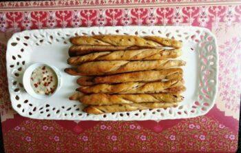 Garlic &Amp; Chilli Crispy Bread Sticks - Plattershare - Recipes, Food Stories And Food Enthusiasts