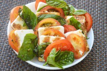 Caprese Salad - Plattershare - Recipes, Food Stories And Food Enthusiasts