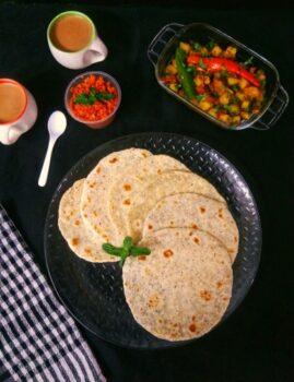 Pol Roti / Sri Lankan Coconut Roti - Plattershare - Recipes, Food Stories And Food Enthusiasts