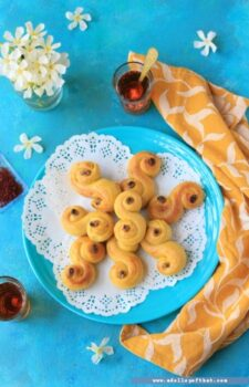 Lussekatter - Swedish Saffron Bread - Plattershare - Recipes, Food Stories And Food Enthusiasts