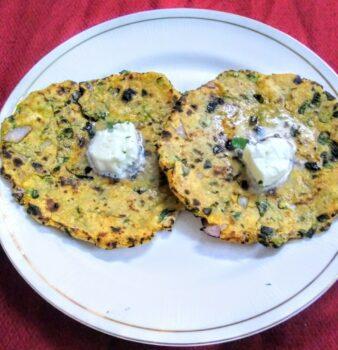 Methi Makki Roti - Plattershare - Recipes, Food Stories And Food Enthusiasts