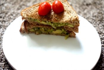 Guacamole Sandwich - Plattershare - Recipes, Food Stories And Food Enthusiasts