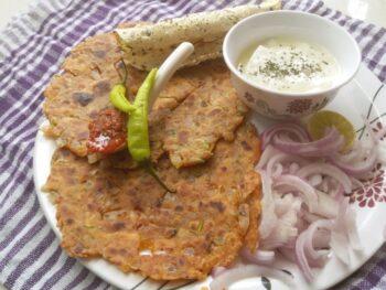 Pyaaz Koki (Crispy Onion Paratha) - Plattershare - Recipes, Food Stories And Food Enthusiasts