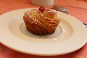 Almond And Raspberry Cruffins - Plattershare - Recipes, Food Stories And Food Enthusiasts