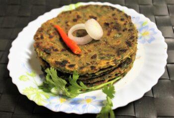 Kulfa Saag Paratha (Purslane Leaves Flat Bread) - Plattershare - Recipes, Food Stories And Food Enthusiasts
