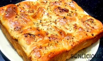Cheese Garlic Pull Apart Bread - Plattershare - Recipes, Food Stories And Food Enthusiasts