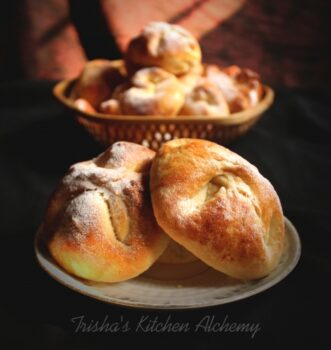Poale-N Brau (Romanian Sweet Cheese &Amp; Raisin Pastries) - Plattershare - Recipes, Food Stories And Food Enthusiasts