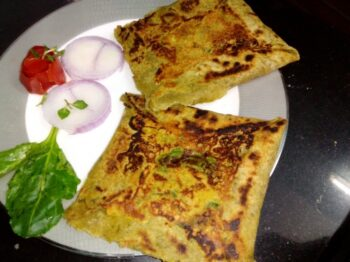 Indian Bread Spinach Mughlai Paratha - Plattershare - Recipes, Food Stories And Food Enthusiasts