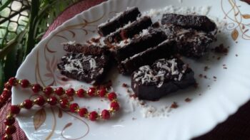 Double Chocolate Lamingtons - Plattershare - Recipes, Food Stories And Food Enthusiasts