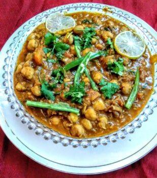 Punjabi Chole Masala - Plattershare - Recipes, Food Stories And Food Enthusiasts