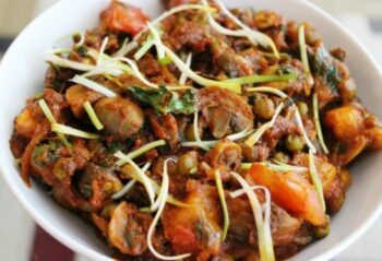 Restaurant Style Dry Mushroom Matar - Plattershare - Recipes, Food Stories And Food Enthusiasts