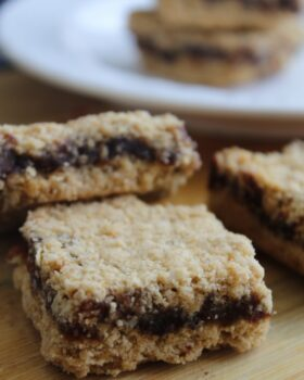 Oats And Dates Energy Bars - Plattershare - Recipes, Food Stories And Food Enthusiasts