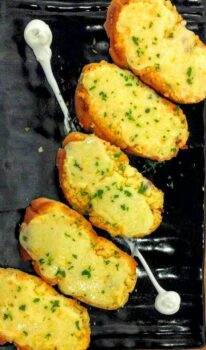 Garlic Bread - Plattershare - Recipes, Food Stories And Food Enthusiasts