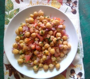 Easy Chickpeas Salad Â???? Healthy, Vegan And A Filling Treat! - Plattershare - Recipes, Food Stories And Food Enthusiasts