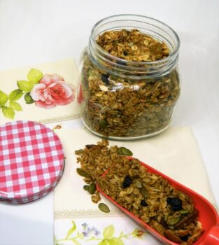 Granola - Plattershare - Recipes, Food Stories And Food Enthusiasts