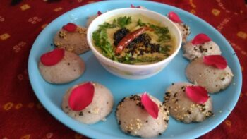 Khatti Meethi Rose Idly - Plattershare - Recipes, Food Stories And Food Enthusiasts