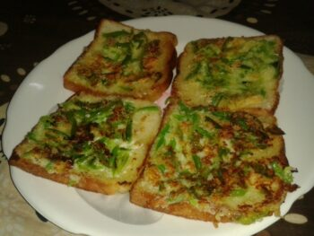 Bread Pizza - Plattershare - Recipes, Food Stories And Food Enthusiasts