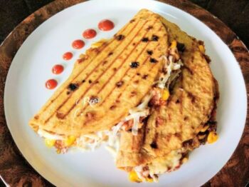 Grilled Chapati Sandwich - Plattershare - Recipes, Food Stories And Food Enthusiasts