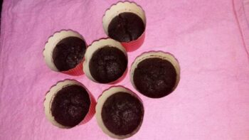 Black Rice Flour Gulkand Cupcakes - Plattershare - Recipes, Food Stories And Food Enthusiasts