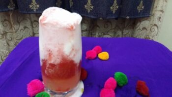Strawberry Vanilla Float - Plattershare - Recipes, Food Stories And Food Enthusiasts