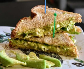 Avocado And Egg Sandwich - Plattershare - Recipes, Food Stories And Food Enthusiasts