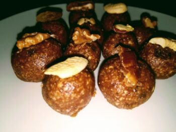 Energy Ladoo (Dates,Dry Fruits And Oats) - Plattershare - Recipes, Food Stories And Food Enthusiasts