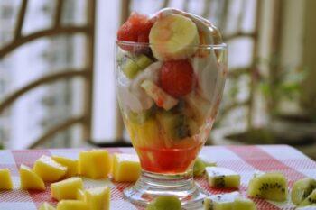 Greek Yogurt Fruit Salad Cup - Plattershare - Recipes, Food Stories And Food Enthusiasts