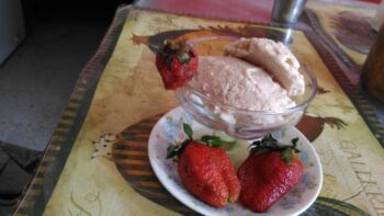 Strawberry Ice Cream - Plattershare - Recipes, Food Stories And Food Enthusiasts