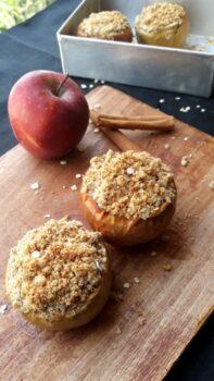 Apple Crisp Stuffed Baked Apples - Plattershare - Recipes, Food Stories And Food Enthusiasts