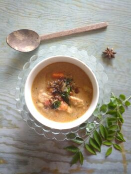 Kerala Chicken / Vegetable Stew - Plattershare - Recipes, Food Stories And Food Enthusiasts