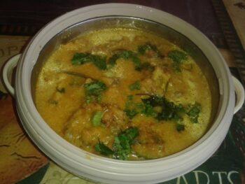 Punjabi Pakora Kadhi - Plattershare - Recipes, Food Stories And Food Enthusiasts