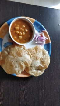 Channa Batura - Plattershare - Recipes, Food Stories And Food Enthusiasts