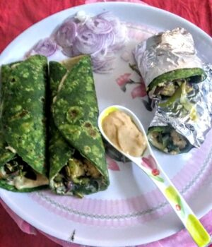 Palak Paneer Kathi Roll - Plattershare - Recipes, Food Stories And Food Enthusiasts