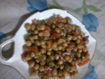 Chana Salad - Plattershare - Recipes, Food Stories And Food Enthusiasts