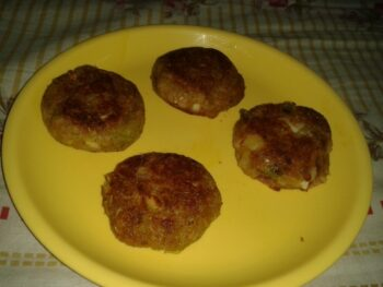 Lauki Tikki - Plattershare - Recipes, Food Stories And Food Enthusiasts