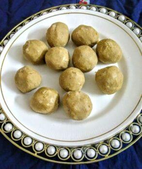 Gaund Ke Ladoo - Plattershare - Recipes, Food Stories And Food Enthusiasts